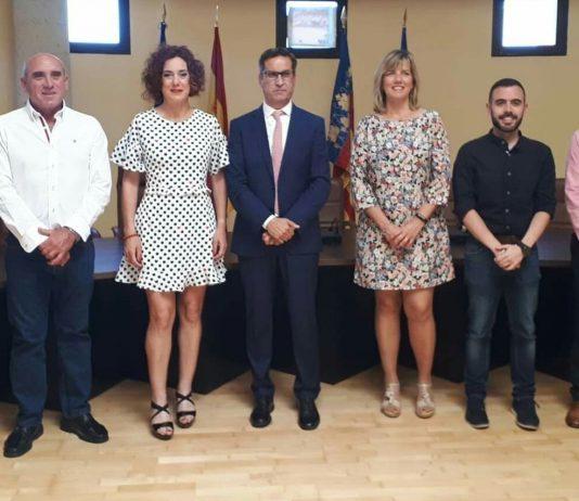 Los Montesinos Mayor José Manuel Butron (centre) and his team of Councillors.