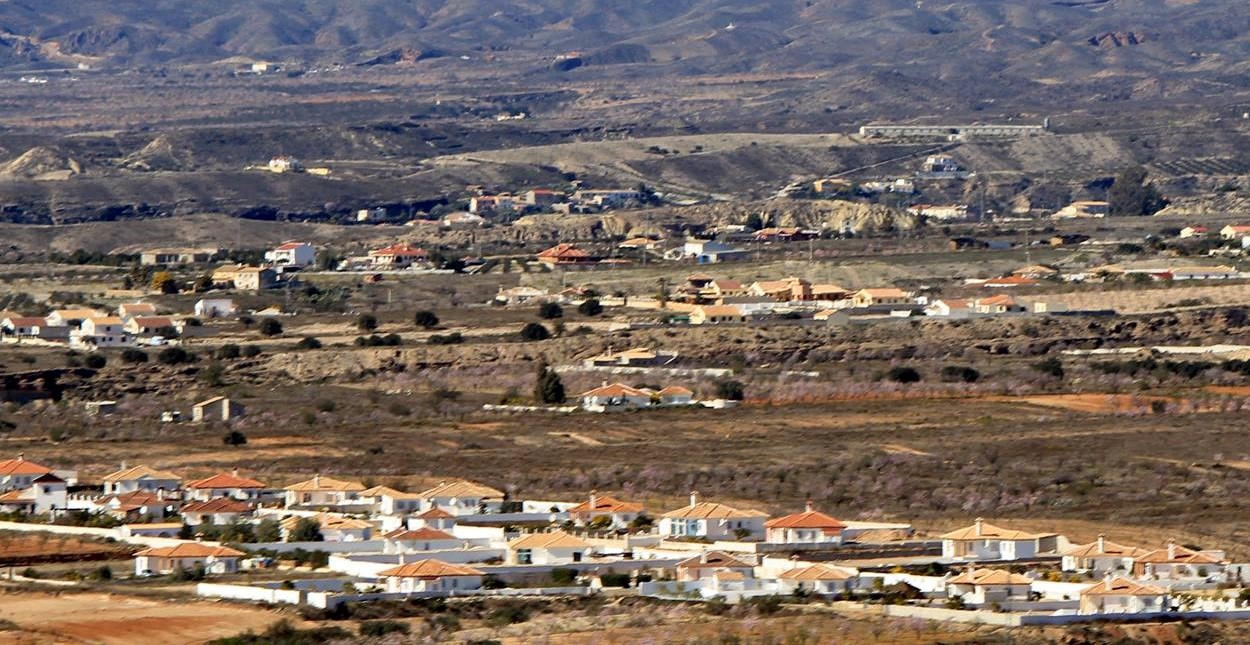 Panorama of irregular houses.