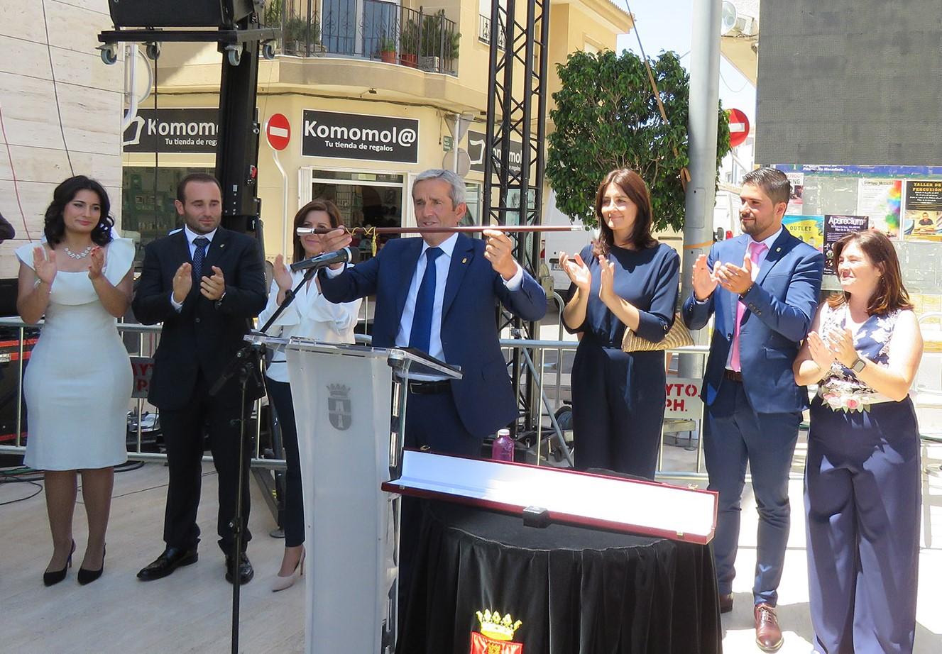 Local businessman José María Pérez Sánchez invested as the new mayor of Pilar de la Horadada