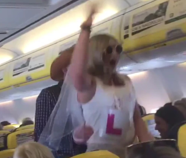 Rowdy passengers on Ryanair flight to Alicante