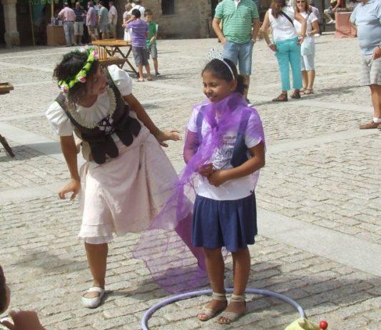 Traditional craft market in Chinchilla de Montearagón