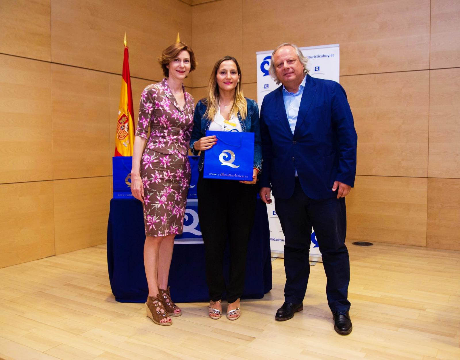 Sabina-Goretti Galindo, attended a similar ceremony at the headquarters of the Ministry of Tourism of Spain