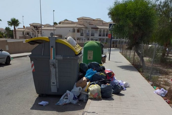 Residents claim that Orihuela Costa streets are over run with rubbish