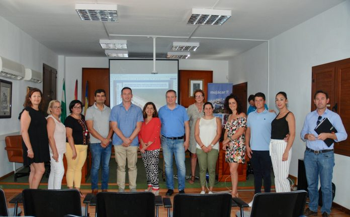 ANDA LUCIAN TOURISM DIRECTOR IN MOJÁCAR TO OUTLINEGRANTS