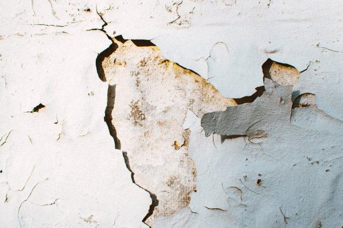 Gaps, Dents & Cracks - Easy Fixes For Your Home