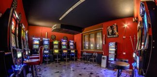 The decline of casino slots and the rise of online