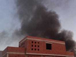 Billowing smoke fills the air after a fire broke out on La Herrada, Los Montesinos at 7am on Friday.
