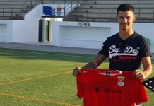 Dani O'Rourke shows off his CF San Fulgencio new club shirt.