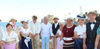 Modernists attract curiosity in Pilar de la Horadada