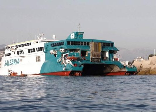 Passengers board coaches to Valencia and Alicante - after ferry shunts rocks entering Denia port
