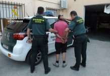Two arrests for distributing cocaine in popular Torrevieja bar
