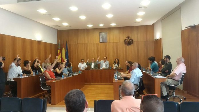 No surprise as PP and Cs approve Orihuela Municipal salaries