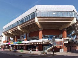 Preston Guild Hall, ex-bowls Championship venue in financial difficulties