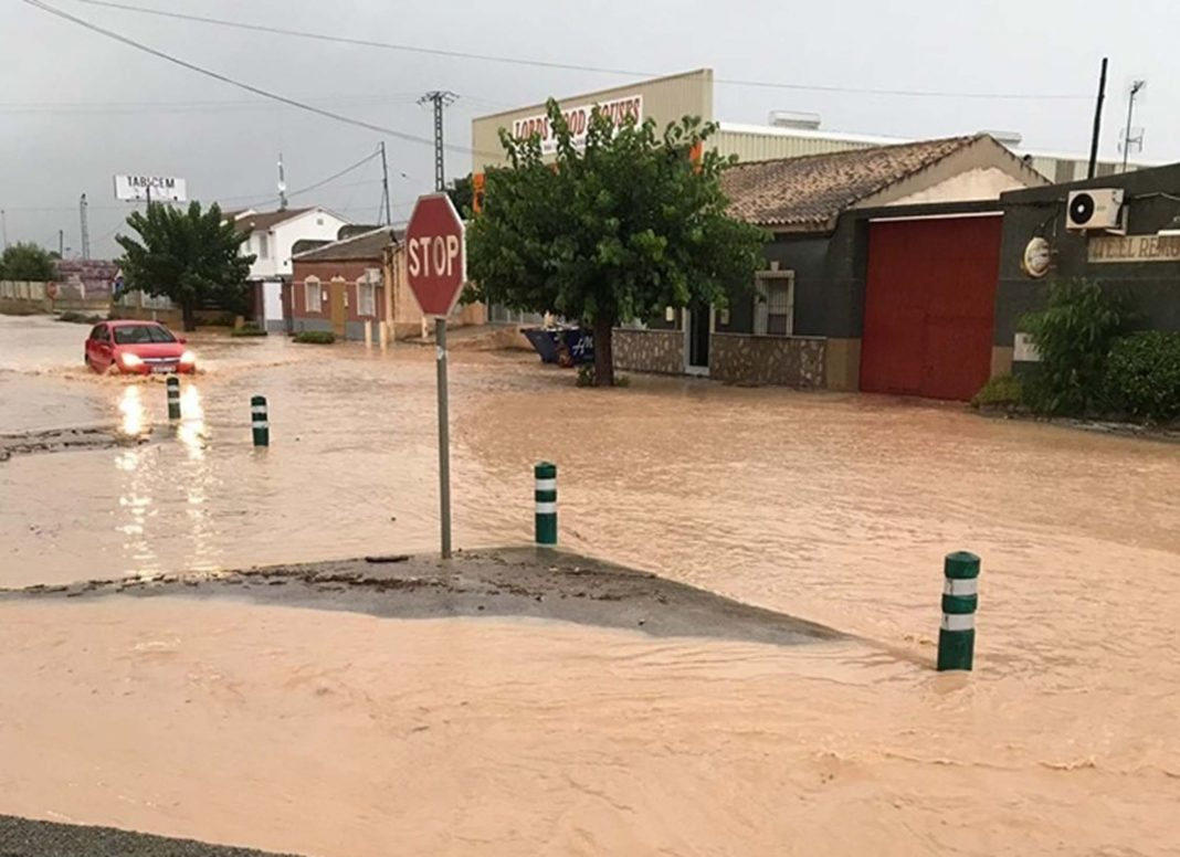 Los Perez, Los Montesinos to San Miguel CV940 road closure - due to flooding in the storms.