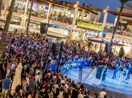 La Zenia Boulevard promises the best shopping night of the Universe