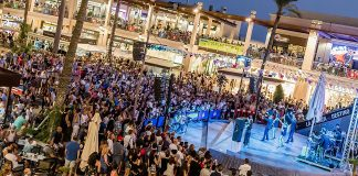 La Zenia Boulevard promises the best shopping night of the Universe