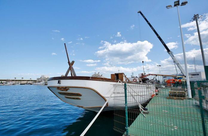 Repairing Pascual Flores to cost 900,000 euros