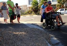 Lack of accessible pavements denounced in La Torre del Pilar de la Horadada