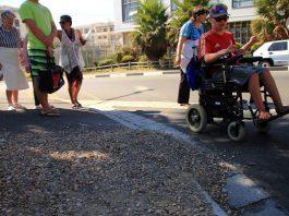 Lack of accessible pavements denounced in La Torre del Pilar de la Horadada