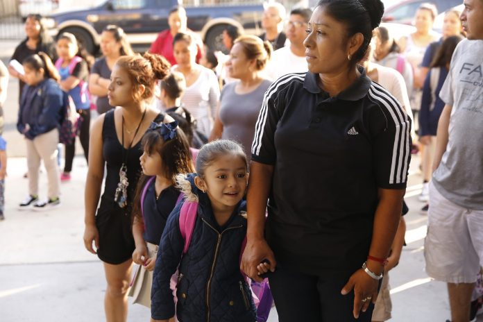 10,000 students without a teacher at start of school year
