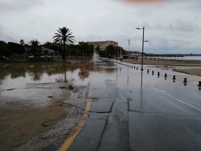 Campoamor seafront