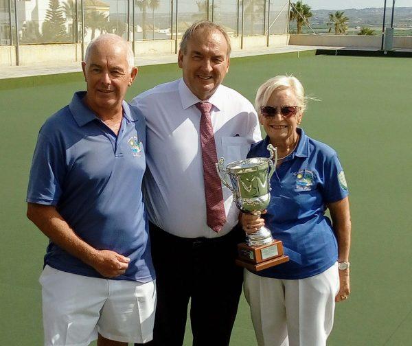 Kath & Ian won through to take the pairs  trophy.
