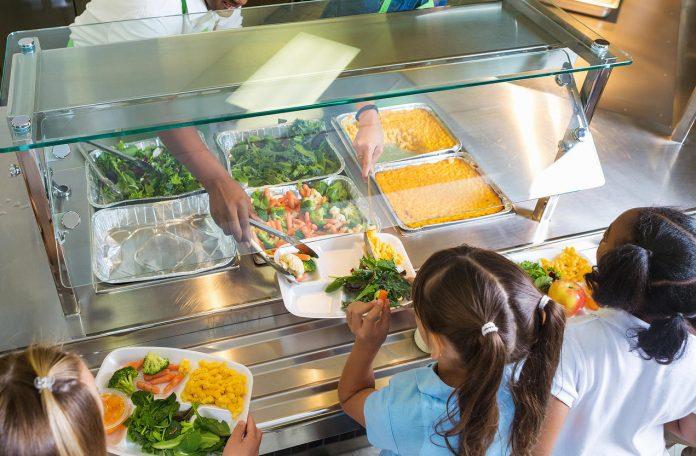 Nutritionists find serious deficiencies in school menus