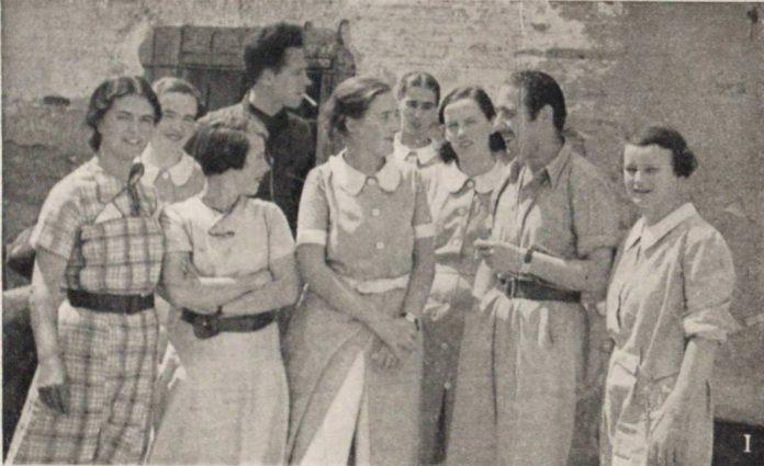 English nurses working at Polenino on the Aragon front