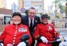 Wayne Campbell and Skippy Teasdate with the Mayor of Benidorm Tony Perez