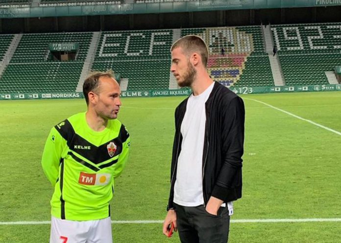 De Gea with his hero Nino at Elche earlier in the season