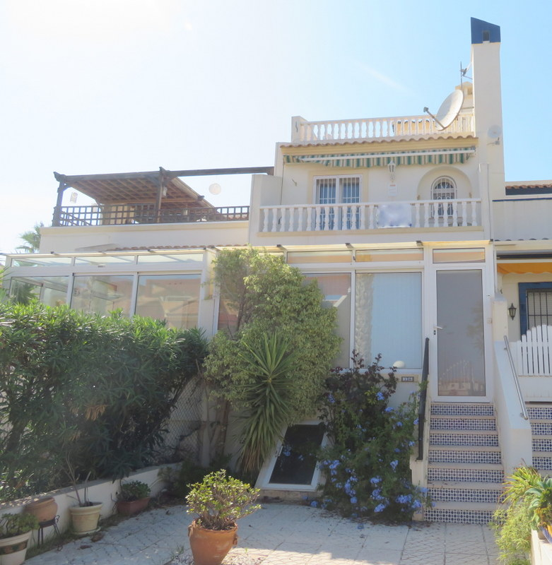 Lovely 2 bedroom Spanish property for sale in the Valencias, Villamartin, Orihuela-Costa