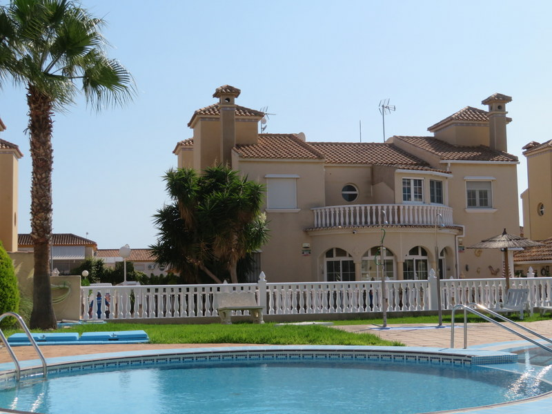 Immaculate 3 bedroom property for sale in Playa Flamenca