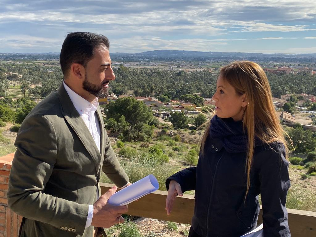 PP deputy, Elisa Díaz, and the president of the PP of Orihuela, and Councillor for the Environment, Dámaso Aparicio.