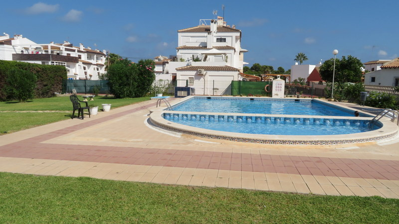 Cheap Spanish property for sale in Punta Prima, Orihuela-Costa.