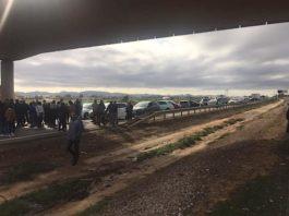 Los Alcázares demonstrators close down the AP-7