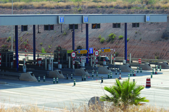 AP-7 goes toll free but not in tourist hotspots as La Zenia and Estepona still charge