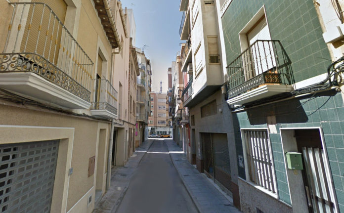 The baby was found in a busy pedestrian thoroughfare linking Plaza Nueva in the city centre to Plaza de San Sebastian