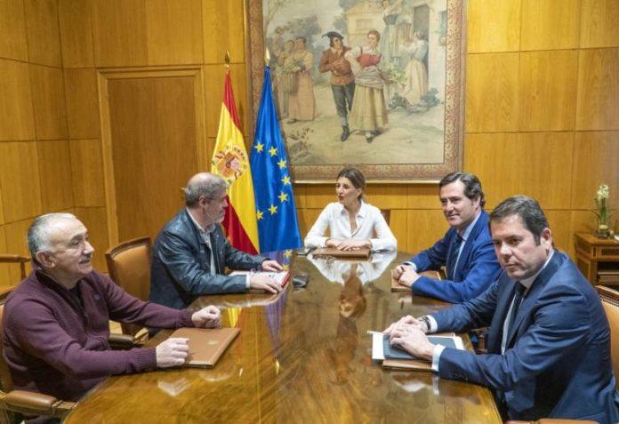 Spain minimum wage to increase to 950 euros
