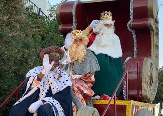 The Three Kings visit Mojácar bearing gifts