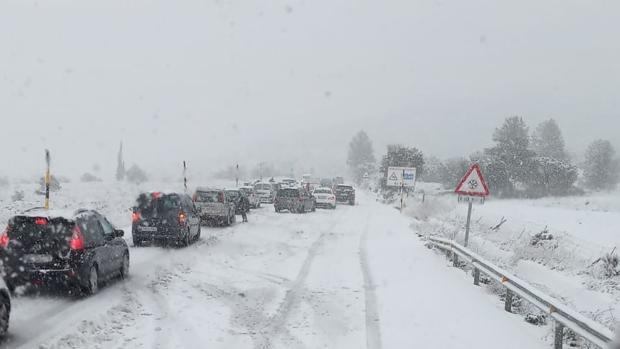 Schools closed as Storm Gloria dumps the first snowfall on the Costa Blanca