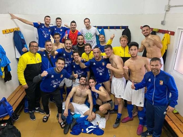CF Sporting Albatera A celebrate after a 2-0 win at Daya Nuevo keeping title hopes alive.