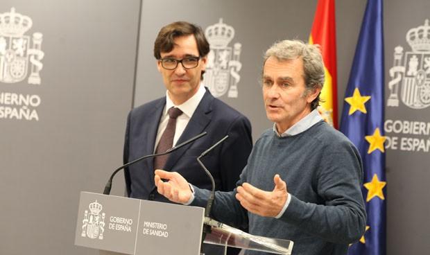 Fernando Simón, with the Minister of Health, Salvador Illa.