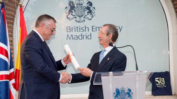 Receiving the Amigo de Honor award in 2019