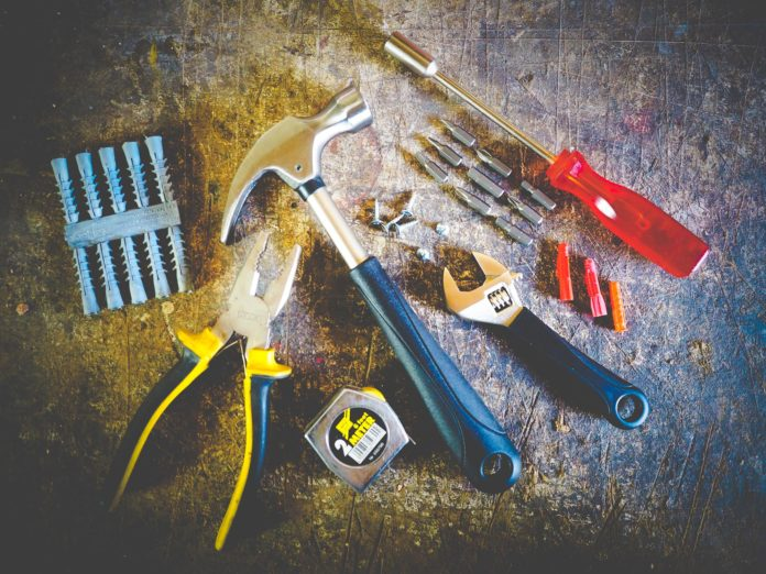 Why are Business Equipment Repair and Maintenance Services Required to Have Insurance?