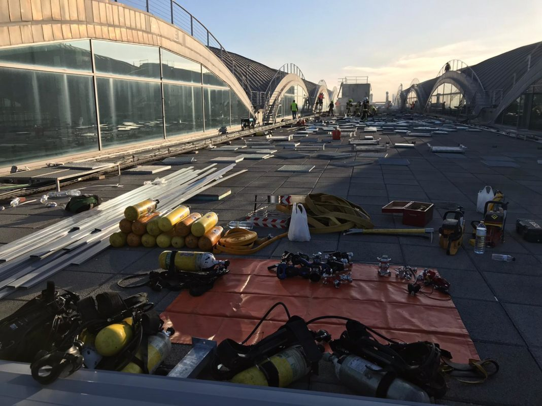 Alicante-Elche airport terminal fire-damaged roofing temporarily completed