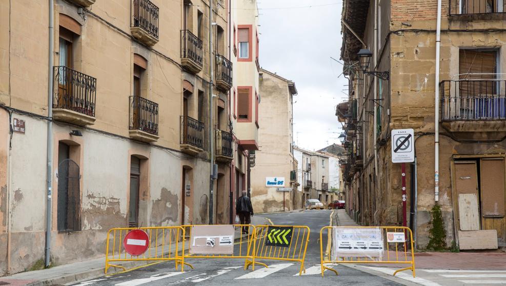 SPANISH TOWN IN LOCKDOWN AS CORONAVIRUS WORSENS