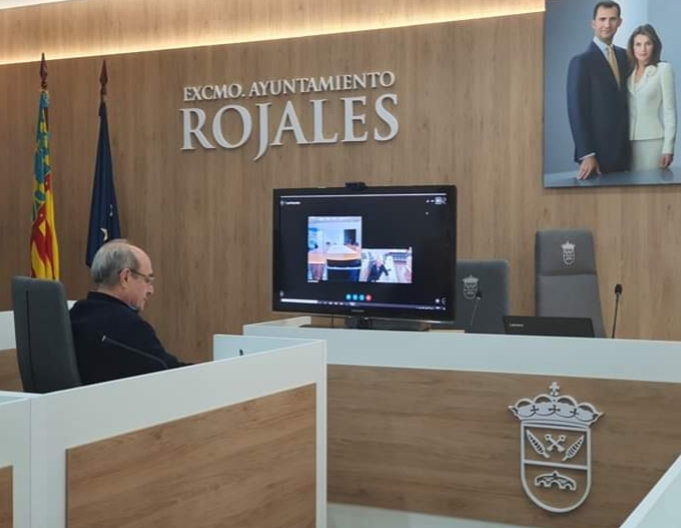 Mayor of Rojales meets up with Torrevieja Health Authority