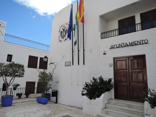 Mojácar takes steps to help household and business finances