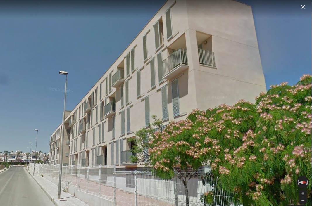 The apartments, all social housing, are located on Calle Otela, Pau 8, Villamartin