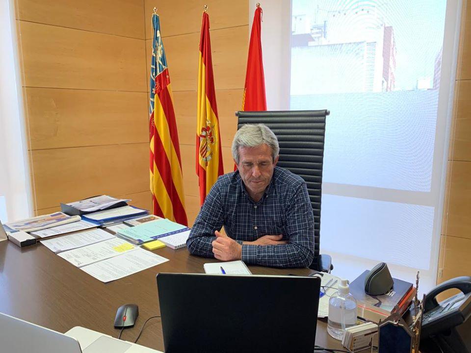 The Mayor of Pilar de la Horadada, José María Pérez